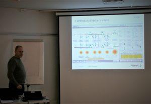 Simo Kataja-aho luennoi kuumäöljyjärjestelmän revisiosta